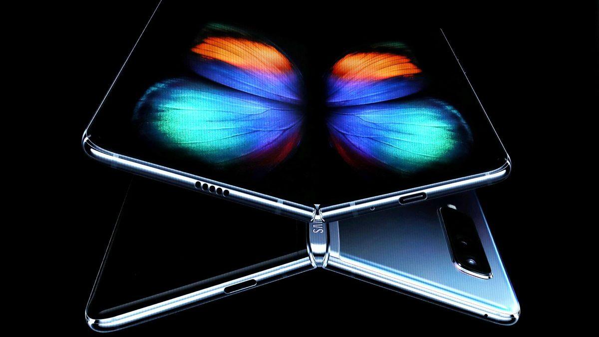 تولید 30 میلیون گوشی موبایل تاشدنی تا سال 2023