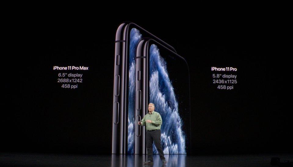 صفحه نمایش iPhone 11 Pro از همه کوچکتر و 5.8 اینچ می باشد.